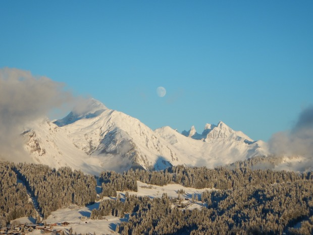 Snow has arrived across the Alps - off to a good start!